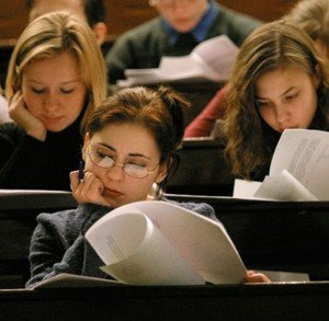 Українські студенти почали частіше виїжджати на навчання за кордон