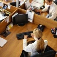Мотивація буває негативною (стягнення) та позитивною (заохочення). В рамках цієї статті ми розглядаємо позитивну мотивацію працівників.